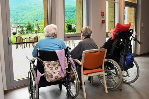 I sottosegretari alla salute favorevoli alla riapertura delle Rsa ai parenti