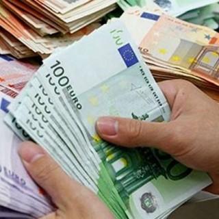 La Commisisone Europea cerca 800 miliardi di euro per finanziare la ripresa economica