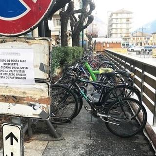 Sono le bici abbandonate in piazza Matteotti quelle messe all'asta
