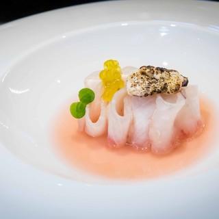 Oltre 40 ristoranti uniti per diffondere la cultura gastronomica del pesce di lago