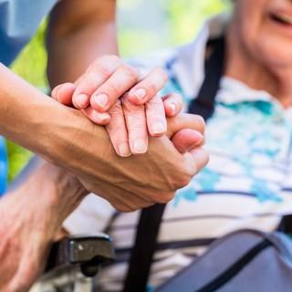 """Crisi finanziaria Rsa, Uncem: """"Nel 'Sostegni bis' necessarie risorse per strutture anziani, disabili e minori"""""""