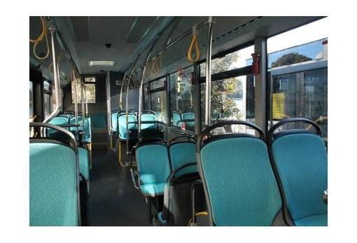 Da oggi sui mezzi pubblici piemontesi passeggeri fino all'80%