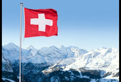 Svizzera, vacanzieri dell'ascensione in coda al tunnel del Gottardo