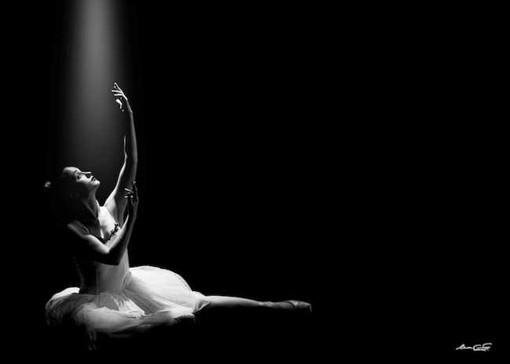 La danza in bianconero proposta da Massimo Antonelli