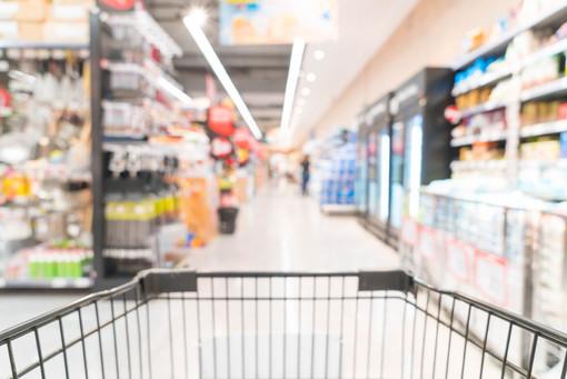 Con lo stop al confine aumentano gli incassi dei supermercati svizzeri