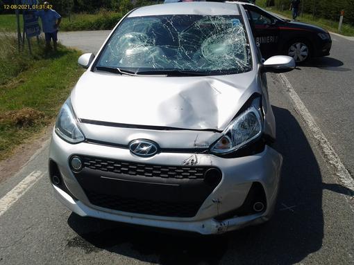 Dal Nord ovest. Violento impatto tra auto e moto sulla strada per Gattinara