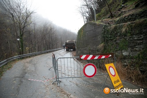 Frana sulla provinciale per Bognanco, strada aperta a senso unico alternato