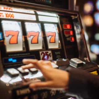 """Da Ornavasso un """"no"""" alla modifica della legge contro il gioco d'azzardo patologico"""