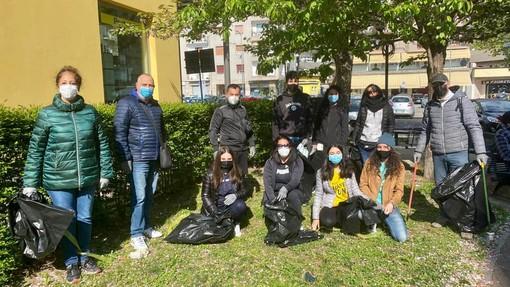 Un tonnellata e mezza di rifiuti raccolti nel Vco dai volontari di Plastic Free