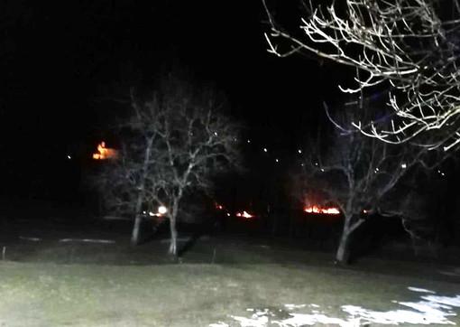 Sterpaglie in fiamme lunedì sera in Valle Vigezzo