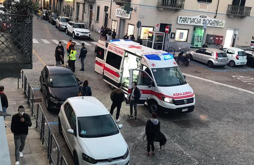Colpito da un pugno finisce in rianimazione a Novara. L'uomo stava cercando di sedare una lite tra il figlio e un coetaneo 18enne