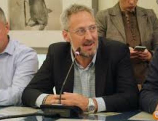 """Il sindaco di Macugnaga Corsi: """"Siamo governati da pagliacci"""""""