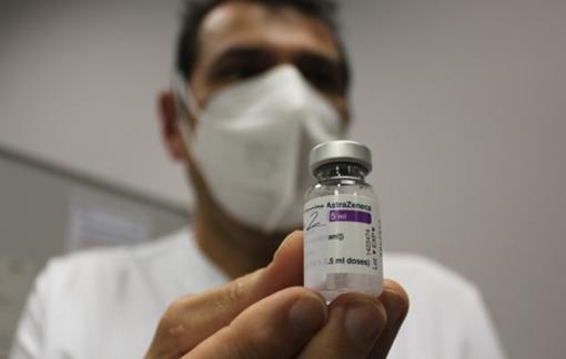 """Via libera del ministero ad Astrazeneca fino a 65 anni, Icardi: """"Importante accelerazione della campagna vaccinale"""